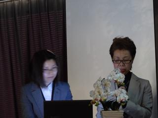 右が桐畑陽子氏。左が野村佳世子氏.jpg
